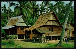 Ref 1242 - 1972 Postcard - A Malay Kamong House Malacca Malaya - Pulau Pinang Stamps - Malaysia
