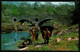 Ref 1242 - Ethnic Postcard - Welsh Coracle Boats - Wales - Europe