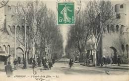 CPA 84 Vaucluse Avignon L'Entrée De La Ville - LL. 64 - BYRRH - Cycliste - Avignon