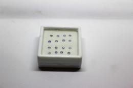 Tanzanite Ct. 1.12 (16 Pezzi) Misure  2.5 Mm - Non Classificati