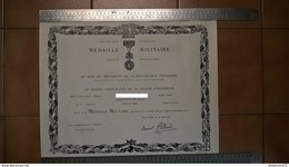 Diplôme Médaille Militaire à Un Adjudant-Chef Du Cadre Spécial - 1979 - Dokumente