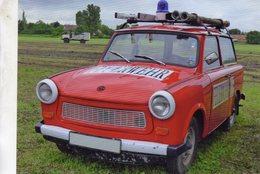 Trabant 601 Kombi - Feuerwehr - Pompiers - Firecar   -  CPM - Voitures De Tourisme