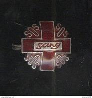 Badge SOS Sang Des Donneurs De Sang Bénévoles - Editeur R.Louis - Religion &  Esoterik
