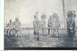 CPA Quebec Non Légendée - Groupe D'indiens à Identifier - Non Circulée - Unclassified