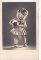 MUÑECA CELI-MUÑECA CON UNA PELOTA DOLL WITH A BALL IN HER HANDS . VOYAGEE 1952- BLEUP - Speelgoed & Spelen
