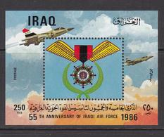 1986 Iraq 55th Anniv Of Air Force Souvenir Sheet Of 1 - Iraq