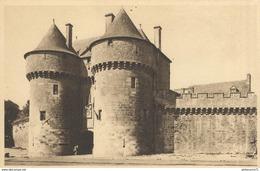 CPA  Guérande - Porte Saint Michel -  Circulé - Guérande