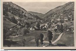 CPA  En Allevard - Pinsot - Village -  Circulée - Autres Communes