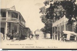 CPA  Madagascar - Majunga - Rue Rigault -  Circulée 1932 - Madagascar