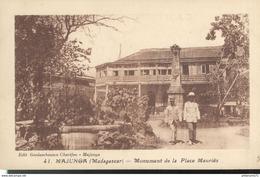 CPA  Madagascar - Majunga - Monument De La Place Mauriès  -  Circulée - Madagascar