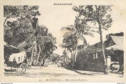 CPA  Madagascar - Majunga - Rue De La Rizière -  Circulée 1933 - Madagascar