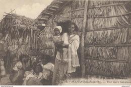 CPA  Madagascar - Majunga ( Mahabibo ) - Une Mère Salavaka -  Circulée - Madagascar
