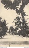 CPA  Madagascar - Majunga - Une Rue -  Circulée 1932 - Madagascar