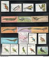 Lot De Timbres Laos Thème Oiseaux - 2 Photos - Collections, Lots & Séries