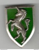 Insigne 5ème Régiment De Chasseurs - Drago Paris Dos Lisse Embouti - Police