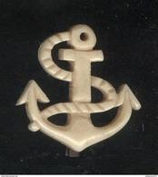 Badge Plastique Ancien Ancre De Marine - Army & War