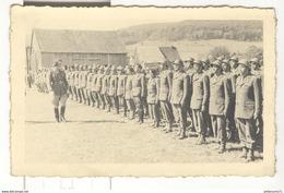 """Photo Légendée """"Arrivées Des Jeunes Le 6 Mai 1945 à Donaochwigen ( Allemagne ) """" Sic - Probablement Donauschingen - Guerre, Militaire"""