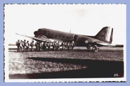 CPSM - Pau (64) - Douglas Dakota - Embarquement Des Parachuriistes - Parachutisme