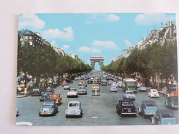 Paris - L'Avenue Des Champs Elysées Et L'Arc De Triomphe De L'Etoile Ref 0885 - Champs-Elysées