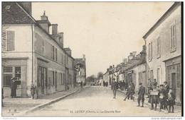 CPA Levet - La Grande Rue - Dos Divisé - Circulée - Autres Communes