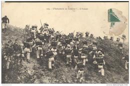 CPA L'infanterie Au Combat - L'assaut - Circulée - Uniformen