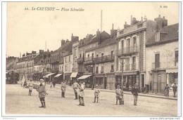 CPA Le Creusot - Place Schneider - Circulée - Le Creusot