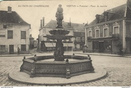 CPA  Vertus - Fontaine - Place Du Marché - Non Circulée - Vertus