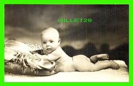 ENFANTS - JEUNE POUPON - - Portraits