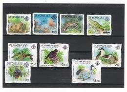 SEYCHELLES  /   LOT  De 9 Timbres  NEUFS  ( Gecko Vert, Chauve-souris, Oiseaux, Corail, Coco-de-mer, Langouste... ) - Seychelles (1976-...)