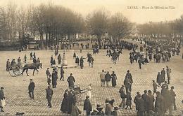 53)   LAVAL   - Place De L' Hotel De Ville - Laval