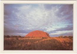 The Monolith Of Ayers Rock, Northern Territory - Australie - De Monoliet Van Ayers Rock - Noordelijk Gebied - Uluru & The Olgas