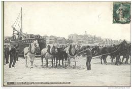 CPA Berck Plage - Remise à Flot D'une Barque De Pêche - Circulée En 1913 - Berck
