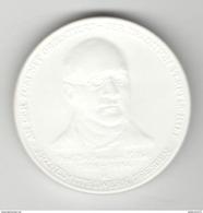 Médaille En Céramique Blanche - Chateau De Kriebstein - Hommage Au Chimiste Hermann Kolbe - Duitsland