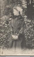 CPA Coiffes Nantaises - Jeune Fille De Sucé - Circulée 1907 - Costumi