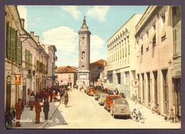 COMACCHIO, Piazza Con Auto E Biciclette - Viaggiata - Italia