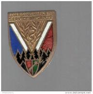 Insigne Ecole Des Sous Officiers Du Service De Santé- Drago Paris - Dos Guilloché - Très Bon état - Hueste