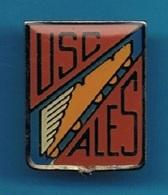 PIN'S //  ** U.S.C.A ** Union Sportive Des Cheminots D'ALES ** - Badges