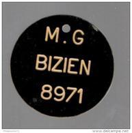 Jeton Plastique à Identfier - M.G Bizien 8971 - France
