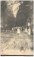 CPA Courban - Promenade Des Acacias - Non Circulée - Autres Communes