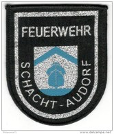 Ecusson Tissu De Pompiers Volontaires Allemands - FEUERWEHR SCHACHT AUDORF - Pompiers