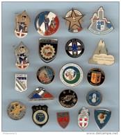 Lot De 20 Pin's Gendarmerie - Police - CRS - Voir Photo - Police