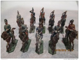 Lot De 10 Figurines 1/72 En Plomb - Cavaliers Guerre 1870 - Fabricant à Identifier - Circa 1920 - Soldados De Plomo