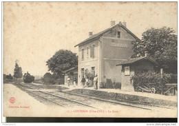 CPA Courban - La Gare - Circulée - France