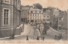 Royaume-uni : GUERNSEY : St-peter Port . La Place Du Marché ( Attention Haut Droit Déchiré 5mm ) - Guernsey