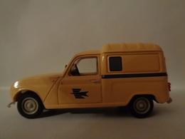 RENAULT R4 Camionnette  LA POSTE 1965 - Norev - Solido