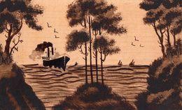CP Fantasie - Carte En Bois - Paysage - In Hout - Stoomboot Met Bomen - Cartes Postales