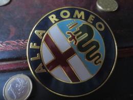 Médaille  ALFA ROMEO - MILAN - Professionnels/De Société