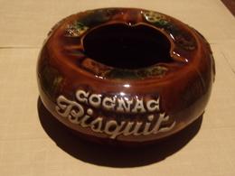Cendriers. Cognac Biscuit (céramique Ricard Au Dos) (tabac) - Cendriers