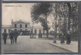 Carte Postale 22. Guingamp  La Gare Très Beau Plan - Guingamp