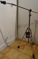 PIED DE CYMBALE PERCHE STRAGG- ETAT NEUF- ACIER INOX- TRÉPIED STABLE - Instrumentos De Música